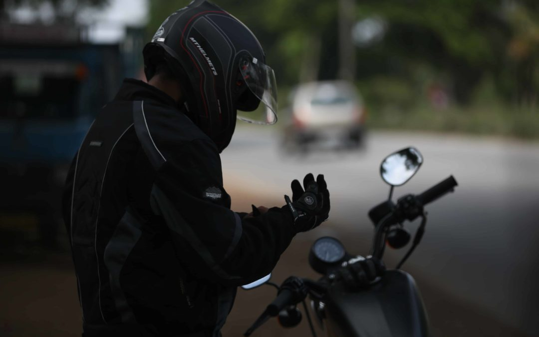 Top 10 affordable riding gloves for Indian bikers.