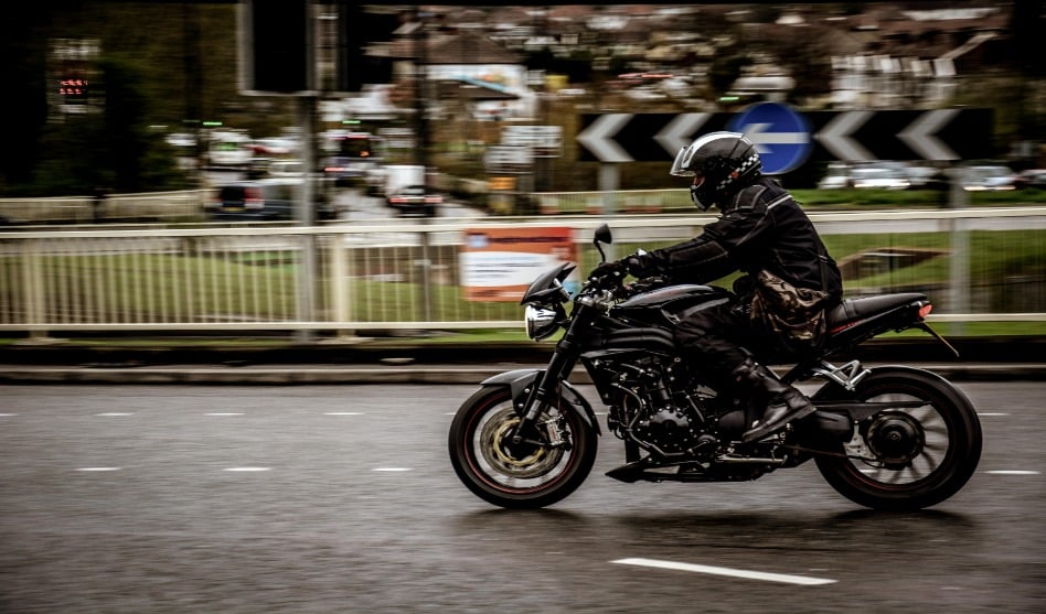 Literally just 3 riding tips to make you go faster on your motorcycle (safely)